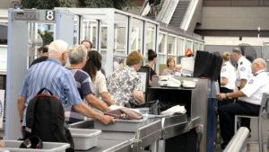 Предполетный досмотр пассажиров в аэропорту: правила и особенности