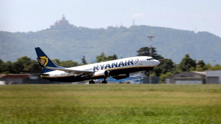 Ryanair самолет